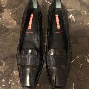 🔥Prada patent leather classic pumps size 6.5 EUC